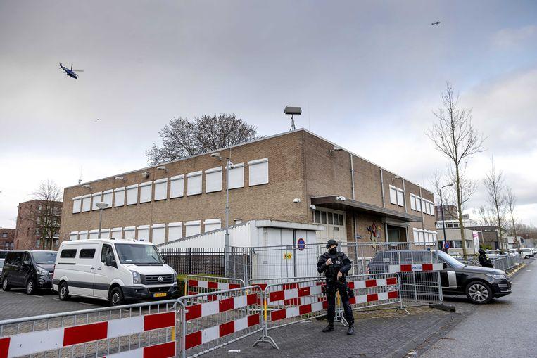 De extra beveiligde rechtbank in Amsterdam Osdorp, voor aanvang van het Marengo-proces. Beeld EPA