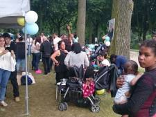 Moeder Mitch herdenkt dood zoon met barbecue in park