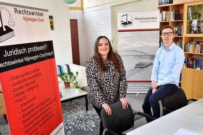 Anna Cleuters en Jens Brugman van de Rechtswinkel Nijmegen-Oost.
