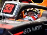 Verstappen derde in tweede training, bijna seconde achter Mercedessen