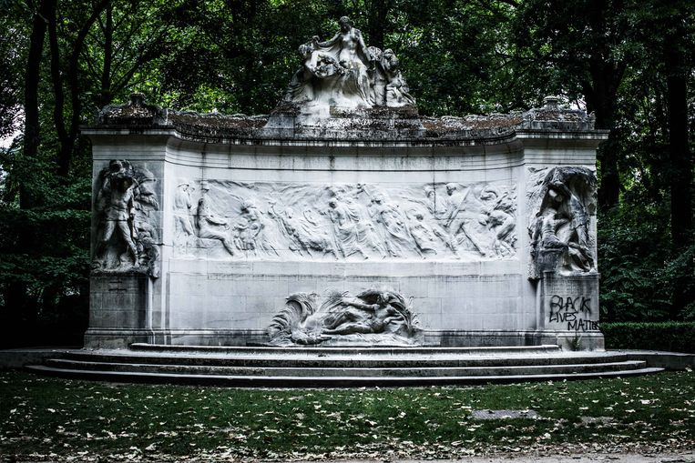 Monument voor de Belgische pioniers in Congo.   Beeld Bas Bogaerts
