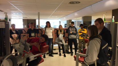 Leerlingen STW brengen bezoek aan rugschool