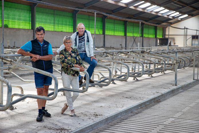 Ad Borremans, Francien van Gorp en Thijs Bierens spelen in het boerentoneelstuk.