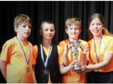 Schoolschakers Reggewinde uit Hellendoorn naar nationale titelstrijd
