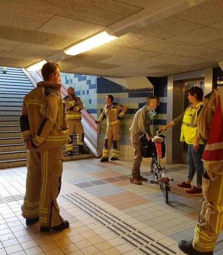 Horrorlift in Meppel maakt opnieuw slachtoffer. Brandweer met gierende banden naar treinstation