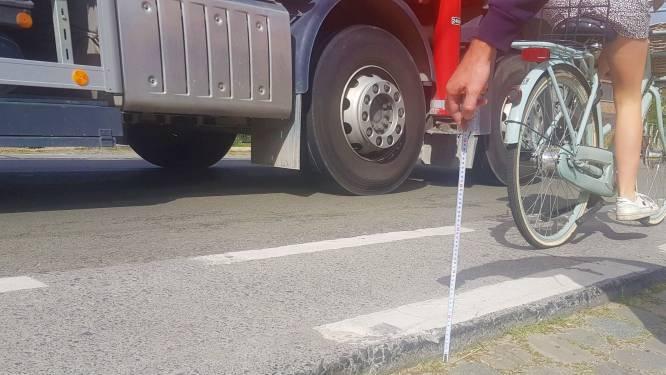 """Oproep ongeruste ouder krijgt gehoor, AWV past hoogteverschil tussen fietspad en berm aan: """"Blij dat er aan de veiligheid van onze schoolgaande jeugd gedacht wordt"""""""