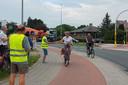 Aan het kruispunt Vijfhuizen in Erpe namen leden van Fietsersbond Erpe-Mere deel aan de Nationale Applausdag voor fietsers.