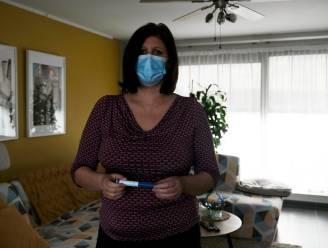 """Xenia (44) en tal van migrainepatiënten roepen overheid op om dure medicatie terug te betalen: """"Net nu ik geen pijn meer voel, sturen ze me terug die hel in"""""""