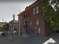 Licht in Astense duisternis: gemeentehuis en pand van Schriks krijgen spotlights op zich gericht