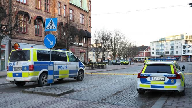 Drie personen in levensgevaar na steekpartij in Zweden, politie schiet twintiger neer