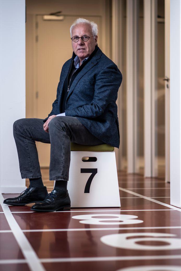 Jos Hermens, directeur van Global Sports Communication op zijn kantoor in Nijmegen .