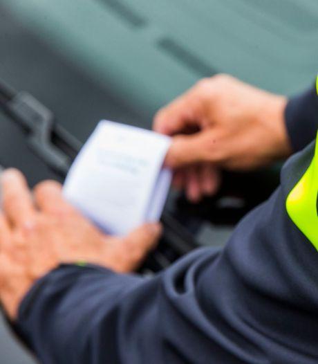 Foutparkerende maaltijdbezorger in Arnhem wordt niet ontzien met boetes