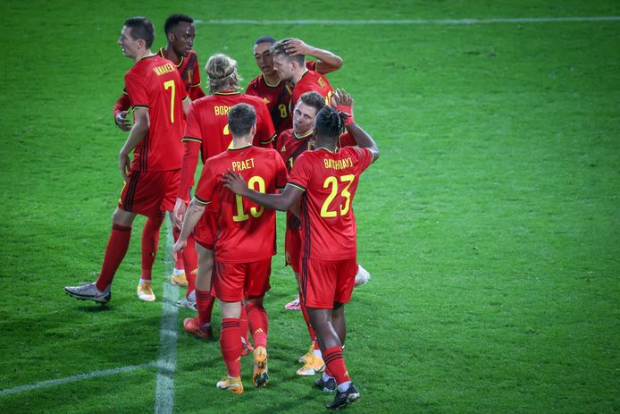 De Rode Duivels vieren de 2-1 tegen Zwitserland.