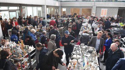 Honderden mensen overrompelen grootste Kringwinkel van Vlaams-Brabant voor eerste koopjes