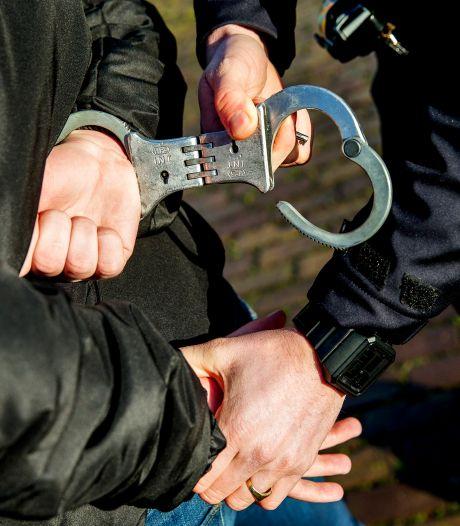 Drie Rotterdammers opgepakt voor vechtpartij op Schouwburgplein