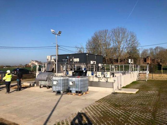 De waterzuiveringsinstallatie heeft een capaciteit voor maximum 375 huishoudens