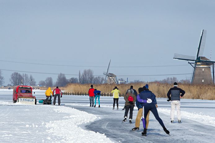 Het is nog niet zo ver als in 2012, toen er op de Rottemeren geschaatst kon worden. Maar iedere dag komt schaatsen op natuurijs een stapje dichterbij.