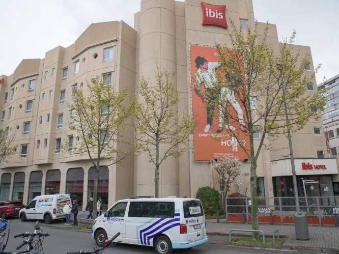 Bijeenkomst met 8 in hotel eindigt in drama: jongeman (21) sterft na val uit raam