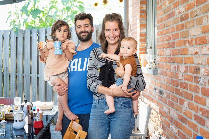 Bieke en Pietro met hun kinderen Matteo en Raffaello.