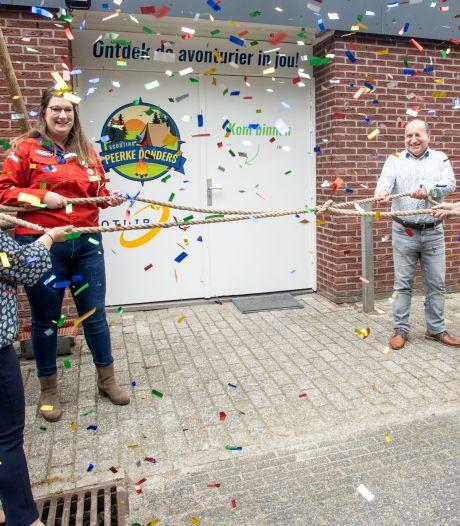 Scouts en Turkse arbeiders in Oldenzaal hebben elkaar gevonden in gezamenlijk onderkomen aan Thijlaan