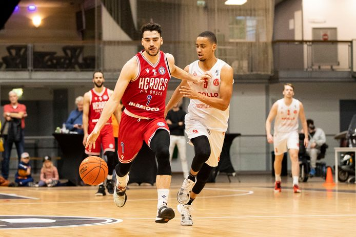 Edon Maxhuni, hier in de competitie in actie tegen Apollo Amsterdam, speelde dinsdagavond in Lissabon met Heroes tegen Benfica.