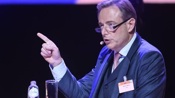 """Bart De Wever koele minnaar van uitgebreider Covid Safe Ticket: """"Geeft vals gevoel van veiligheid"""""""