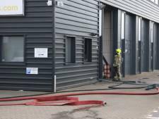 Brand in bedrijfsverzamelgebouw in Zuidland snel onder controle