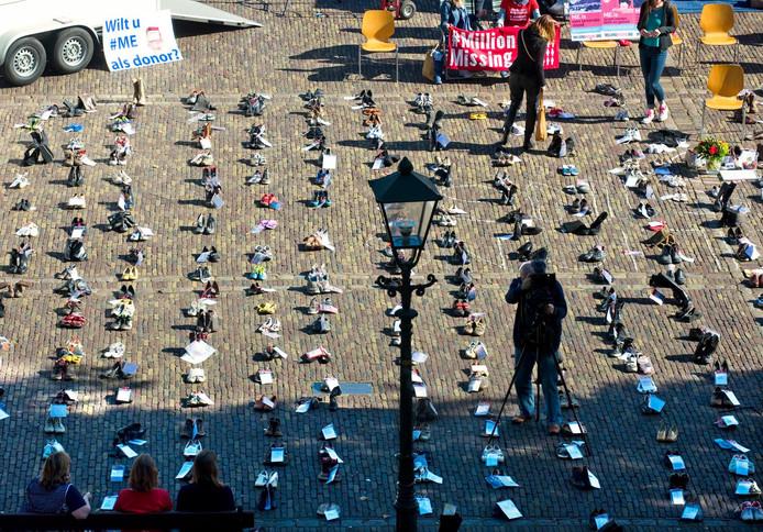 Duizend schoenen op het plein