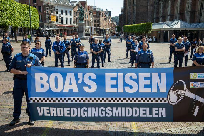 In onder meer Haarlem was er dinsdag een protest door de Buitengewoon Opsporingsambtenaren (BOA's).