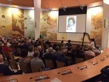 Op Holocaustherdenking Uden worden voortaan 72 namen voorgelezen