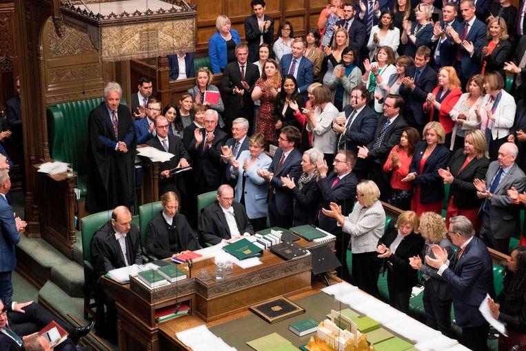 John Bercow krijgt een ovatie na het bekendmaken van zijn aanstaande vertrek.  Beeld AFP
