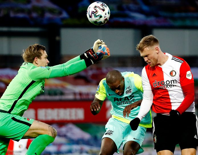 Nicolai Jørgensen kopt op doel tegen AZ. Moet Feyenoord de spits behouden of komt de interesse van Galatasaray ook financieel wel goed uit?