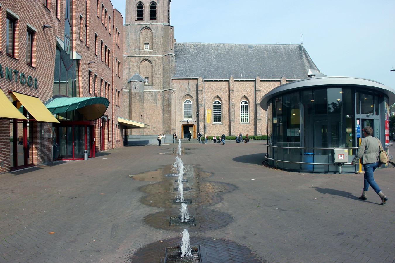 De Van Goghkerk bij het gemeentehuis in Etten-Leur