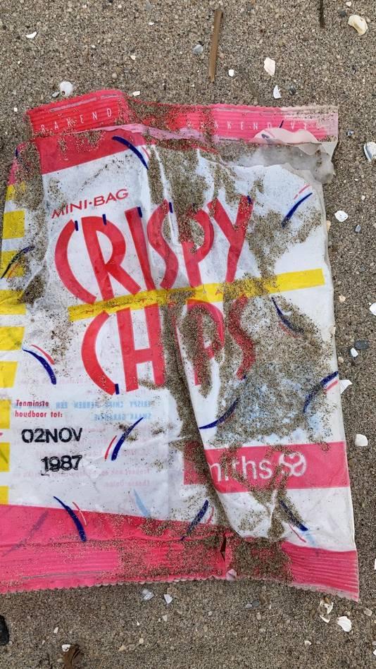 Een zakje chips uit 1987.