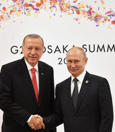 """Poutine et Erdogan d'accord pour """"intensifier"""" leur coopération en Syrie"""