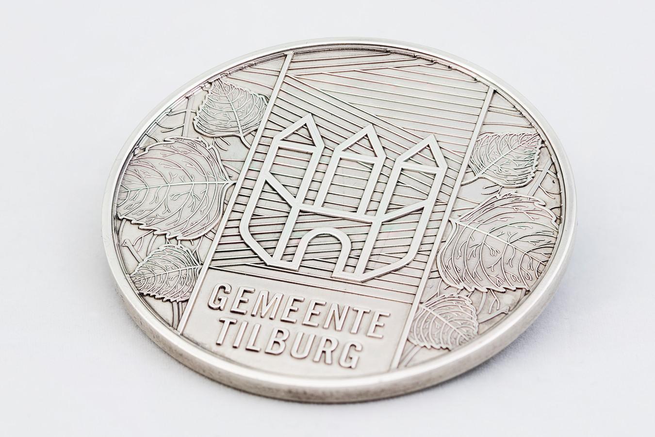 Zilveren legpenning, erepenning. Gemeente Tilburg. Gemeentelijke onderscheiding. Onderscheidingen van de gemeente Tilburg