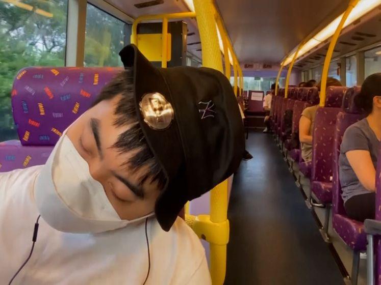 Met deze 'Snoozebus' kom je overal uitgeslapen aan