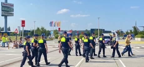 """Ikea Wilrijk terug vrijgegeven na ontruiming: """"Geen explosieven gevonden"""""""