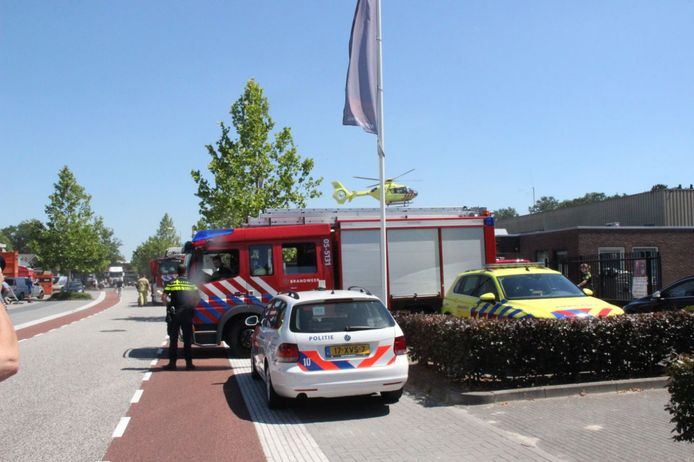 Vrijdagmiddag heeft er een bedrijfsongeval plaatsgevonden in Rijssen. Er is zojuist een traumahelikopter geland