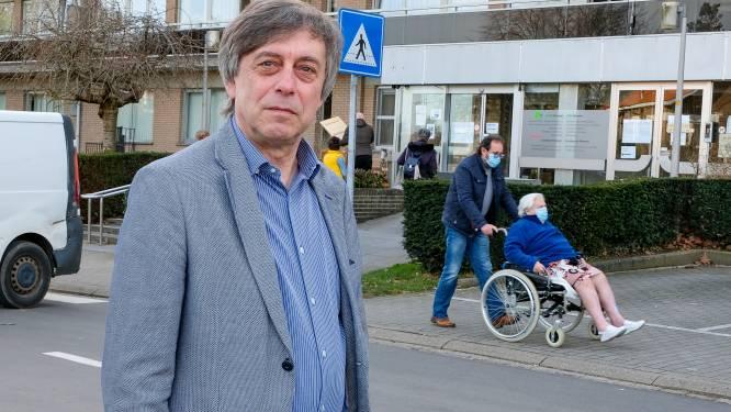 """Residentie niet erkend, dus krijgen 200 bejaarden geen vaccin in hun serviceflat: """"Hele operatie om hen één voor één naar vaccinatiecentrum te krijgen"""""""
