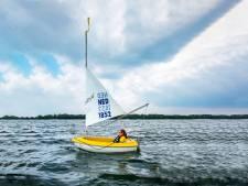 Rhederlaag loopt vol met water: op het strand liggen kan niet meer, zwemmen nog wel