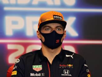 """Max Verstappen over irritatie bij Mercedes: """"Wij moeten zelf géén fouten maken"""""""