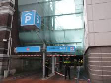 Parkeergarage aan de Phoenixstraat in Delft ontruimd vanwege autobrandje