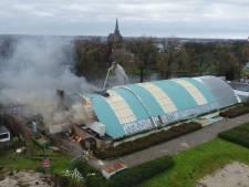 Grote brand in voormalig zwembad de Steur in Kampen