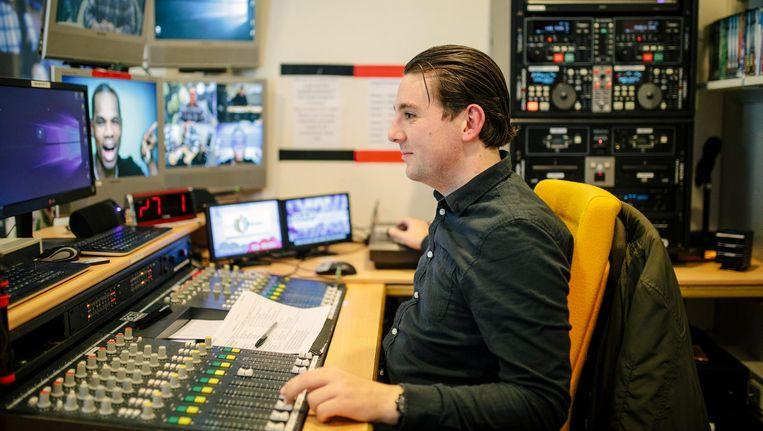 Radio Tulipa techneut Vincent Grommé Beeld Marc Driessen