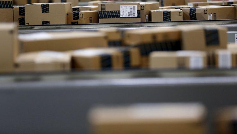 Dozen in een Amazon-sorteercentrum Beeld REUTERS