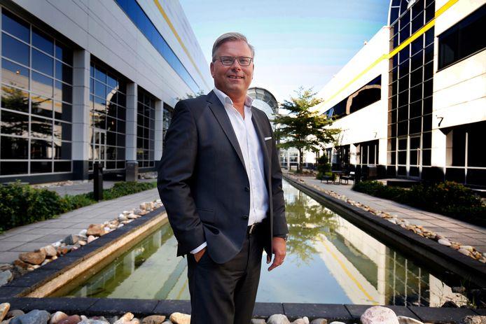 Jeroen van Hooff, directeur Easyfairs Nederland, in de binnentuin van de Evenementenhal Gorinchem.