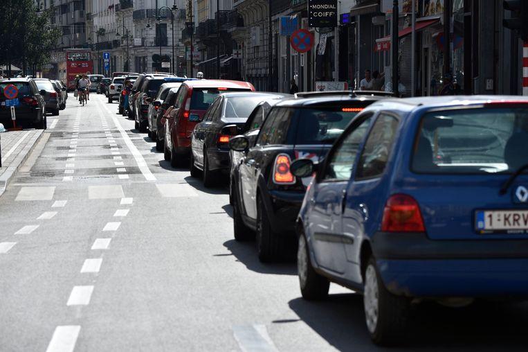 Dieselwagens blijven in Europa enorm populair, maar blijken vervuilender dan vrachtwagens en bussen. Beeld Photo News