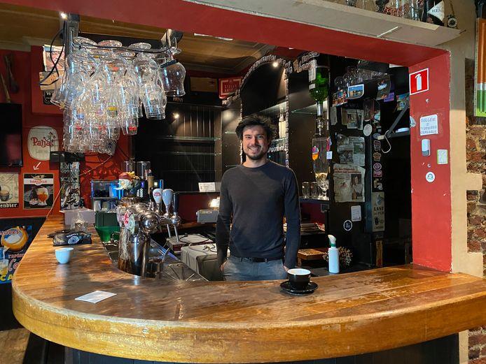 Bert Deckers, uitbater van café 'Den Draad'.