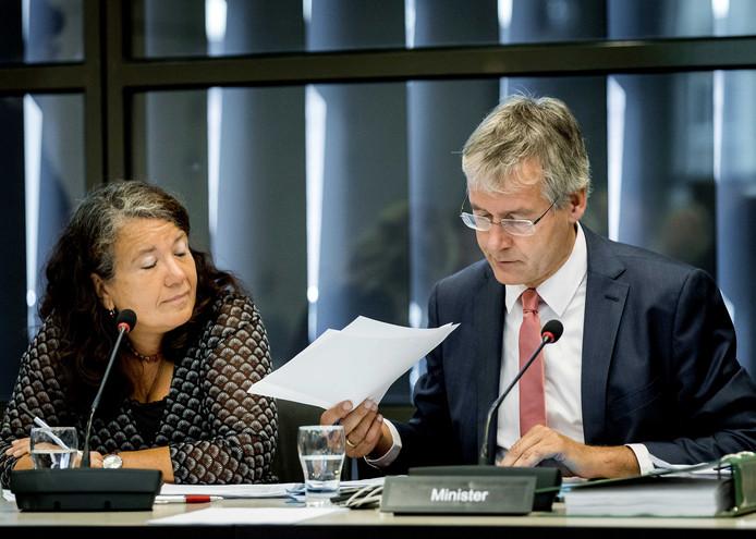 Arie Slob, minister voor Basis- en Voortgezet Onderwijs en Media, vandaag tijdens een debat in de Tweede Kamer.